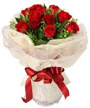 12 adet kırmızı gül buketi  Düzce çiçek yolla