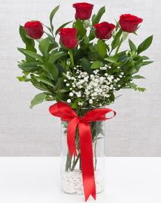 cam vazo içerisinde 5 adet kırmızı gül  Düzce çiçek yolla , çiçek gönder , çiçekçi