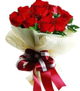 9 adet kırmızı gülden buket tanzimi  Düzce internetten çiçek siparişi