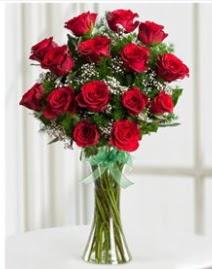 Cam vazo içerisinde 11 kırmızı gül vazosu  Düzce çiçek yolla