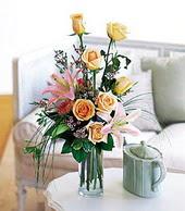 Düzce uluslararası çiçek gönderme  cam yada mika vazo içerisinde gül kazablanka