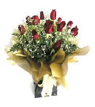 Düzce kaliteli taze ve ucuz çiçekler  11 adet kirmizi gül  buketi