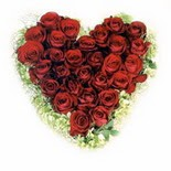 kalp biçiminde 15 gülden   Düzce hediye çiçek yolla