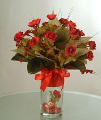 yapay güllerden vazo  9 gül  Düzce İnternetten çiçek siparişi