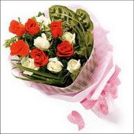 5 kirmizi 5 beyaz güllerden   Düzce yurtiçi ve yurtdışı çiçek siparişi