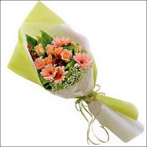 sade güllü buket demeti  Düzce hediye sevgilime hediye çiçek
