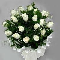 Düzce anneler günü çiçek yolla  11 adet beyaz gül buketi ve bembeyaz amnbalaj