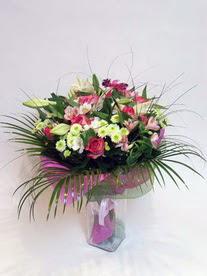 Düzce anneler günü çiçek yolla  karisik mevsim buketi mevsime göre hazirlanir.