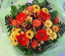 Düzce 14 şubat sevgililer günü çiçek  sade hos orta boy karisik demet çiçek