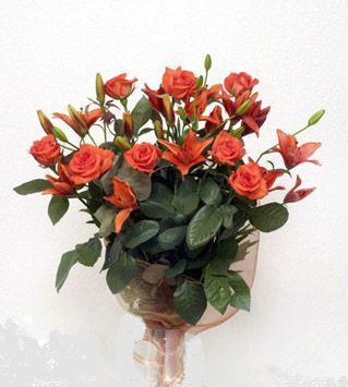 9 adet gül ve 3 adet lilyum çiçegi buketi   Düzce online çiçekçi , çiçek siparişi