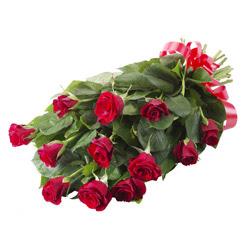 11 adet kirmizi gül buketi  Düzce çiçekçi mağazası