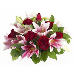 güller ve kazablnaklardan aranjman  Düzce çiçek yolla