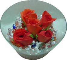 Düzce çiçek gönderme sitemiz güvenlidir  5 adet gül ve cam tanzimde çiçekler