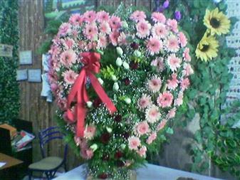 Düzce online çiçek gönderme sipariş  SEVDIKLERINIZE ÖZEL KALP PANO