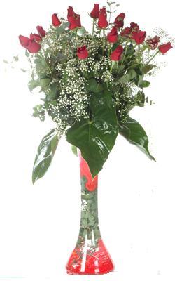 Düzce İnternetten çiçek siparişi  19 ADET GÜL VE FIL CAM AYAGI