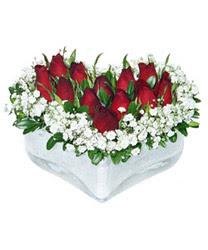 Düzce kaliteli taze ve ucuz çiçekler  mika kalp içerisinde 9 adet kirmizi gül
