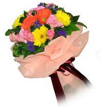 Düzce hediye sevgilime hediye çiçek  Karisik mevsim çiçeklerinden demet