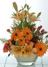 Düzce çiçek satışı  cam yada mika vazo içinde karisik mevsim çiçekleri