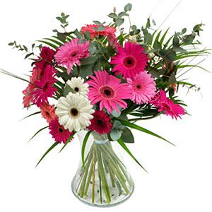 15 adet gerbera ve vazo çiçek tanzimi  Düzce yurtiçi ve yurtdışı çiçek siparişi