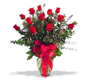 çiçek siparisi 11 adet kirmizi gül cam vazo  Düzce yurtiçi ve yurtdışı çiçek siparişi