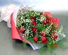 10 adet kirmizi gül çiçegi gönder  Düzce çiçek yolla