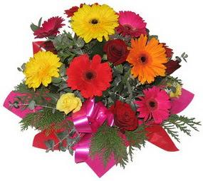 Karisik mevsim çiçeklerinden buket  Düzce çiçek gönderme