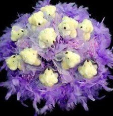 11 adet pelus ayicik buketi  Düzce uluslararası çiçek gönderme