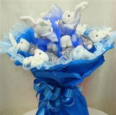 7 adet pelus ayicik buketi  Düzce uluslararası çiçek gönderme