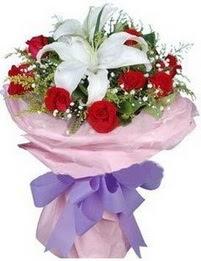 9 adet kirmizi gül 1 adet kazablanka buketi  Düzce hediye sevgilime hediye çiçek