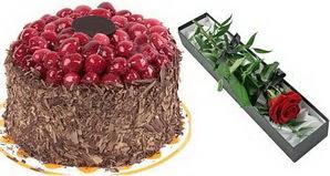 1 adet yas pasta ve 1 adet kutu gül  Düzce İnternetten çiçek siparişi