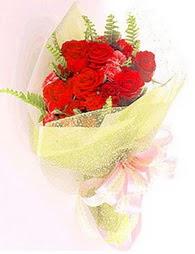 9 adet kirmizi gül buketi  Düzce online çiçekçi , çiçek siparişi