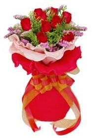 Düzce çiçek yolla , çiçek gönder , çiçekçi   8 Adet kirmizi güllerden buket tanzimi