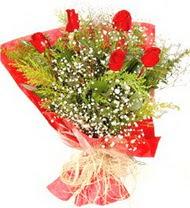 Düzce çiçek yolla  5 adet kirmizi gül buketi demeti