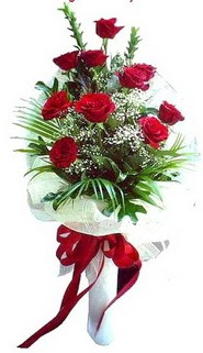 Düzce 14 şubat sevgililer günü çiçek  10 adet kirmizi gül buketi demeti