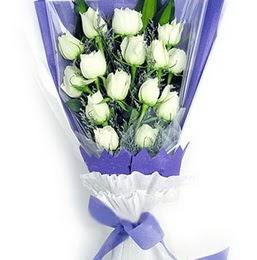 Düzce hediye sevgilime hediye çiçek  11 adet beyaz gül buket modeli