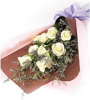 Düzce online çiçekçi , çiçek siparişi  9 adet beyaz gülden görsel buket çiçeği
