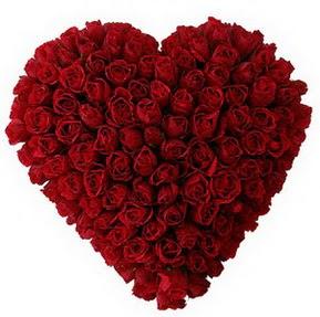 Düzce hediye sevgilime hediye çiçek  muhteşem kırmızı güllerden kalp çiçeği
