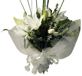 Düzce hediye sevgilime hediye çiçek  2 dal kazablanka çiçek buketi