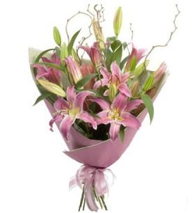 Düzce çiçekçiler  3 dal cazablanca buket çiçeği