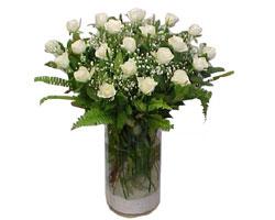 Düzce çiçekçi mağazası  cam yada mika Vazoda 12 adet beyaz gül - sevenler için ideal seçim
