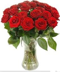 Düzce çiçek , çiçekçi , çiçekçilik  Vazoda 15 adet kırmızı gül tanzimi