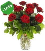 11 adet vazo içerisinde kırmızı gül  Düzce yurtiçi ve yurtdışı çiçek siparişi