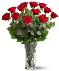 11 adet kırmızı gül vazoda  Düzce kaliteli taze ve ucuz çiçekler