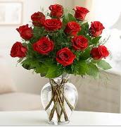Vazo içerisinde 12 kırmızı gül  Düzce cicekciler , cicek siparisi
