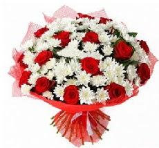 11 adet kırmızı gül ve 1 demet krizantem  Düzce çiçek , çiçekçi , çiçekçilik