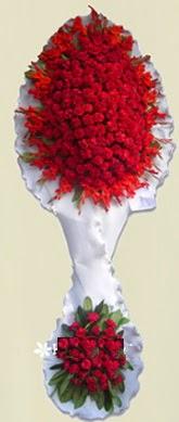 Çift katlı kıpkırmızı düğün açılış çiçeği  Düzce çiçek yolla