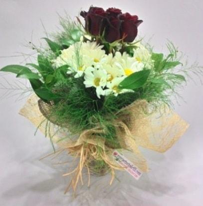 5 adet kırmızı gül ve kırızantem buketi  Düzce online çiçekçi , çiçek siparişi