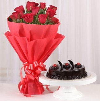 10 Adet kırmızı gül ve 4 kişilik yaş pasta  Düzce çiçek servisi , çiçekçi adresleri