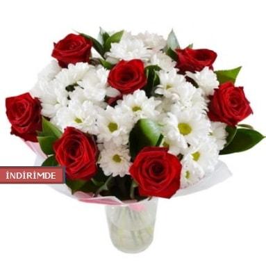 7 kırmızı gül ve 1 demet krizantem  Düzce internetten çiçek siparişi